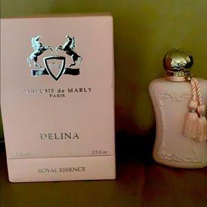 Delina Parfums  de Marly Paris